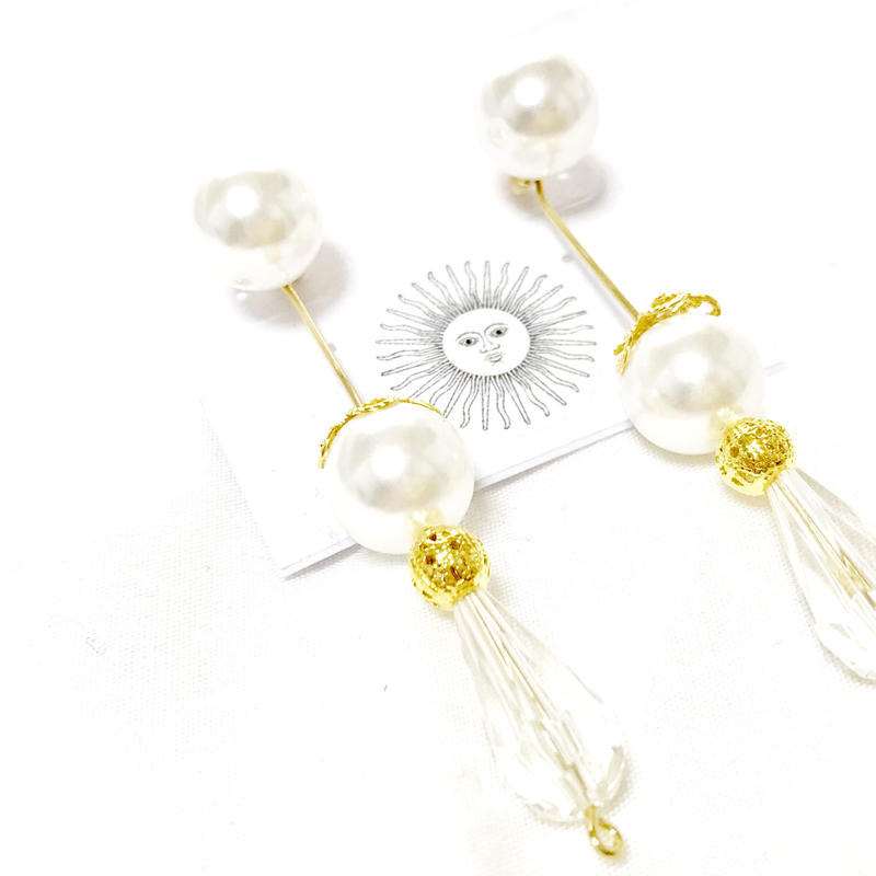 Perl & crystal pierce