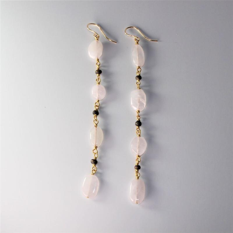 rose quartz × woodbeads long pierce