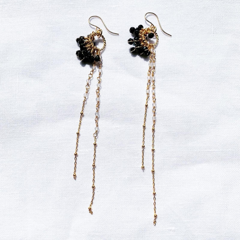 Seahorse  earring  - black-