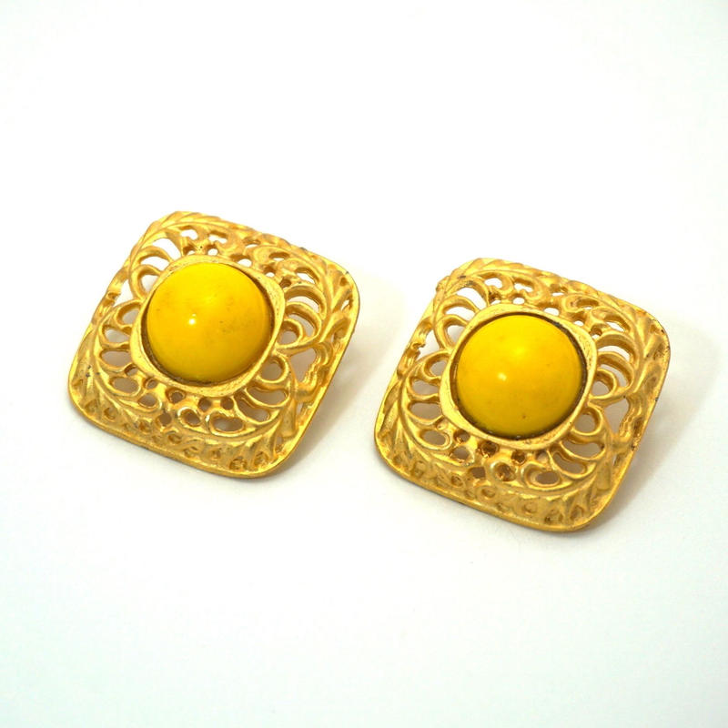 〈Costume jewelry〉60-80s  Clip-on Earrings  Yellow/ Gold《送料無料》