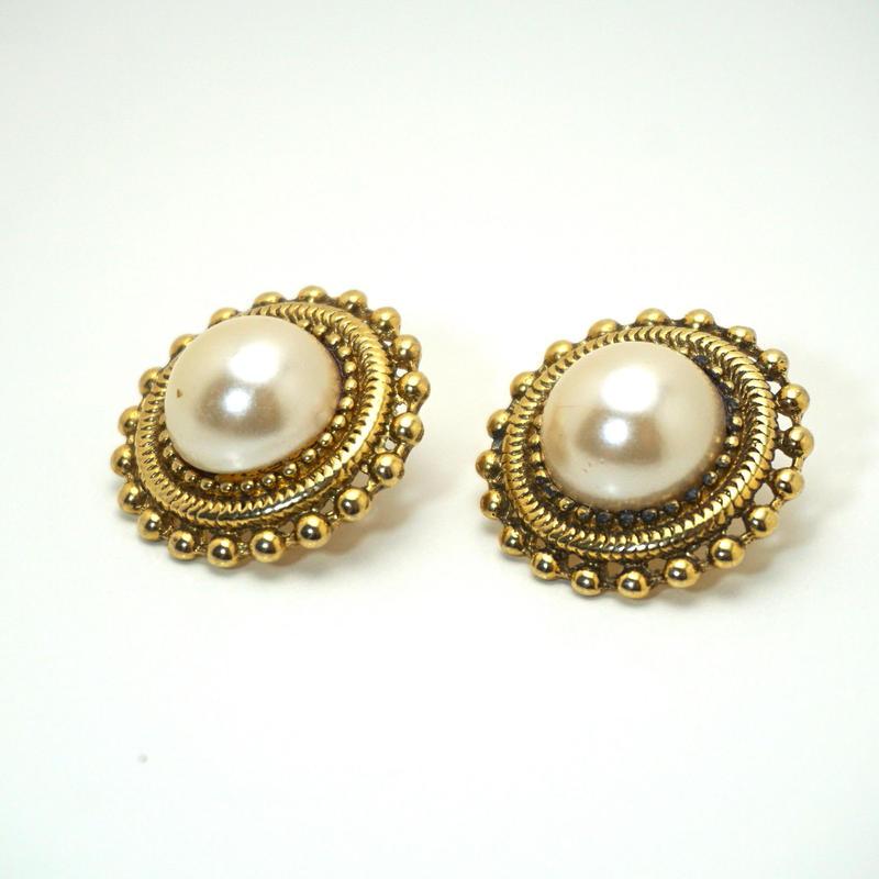 〈Costume jewelry〉60-80s  Pierced Earrings  White/ Gold《送料無料》