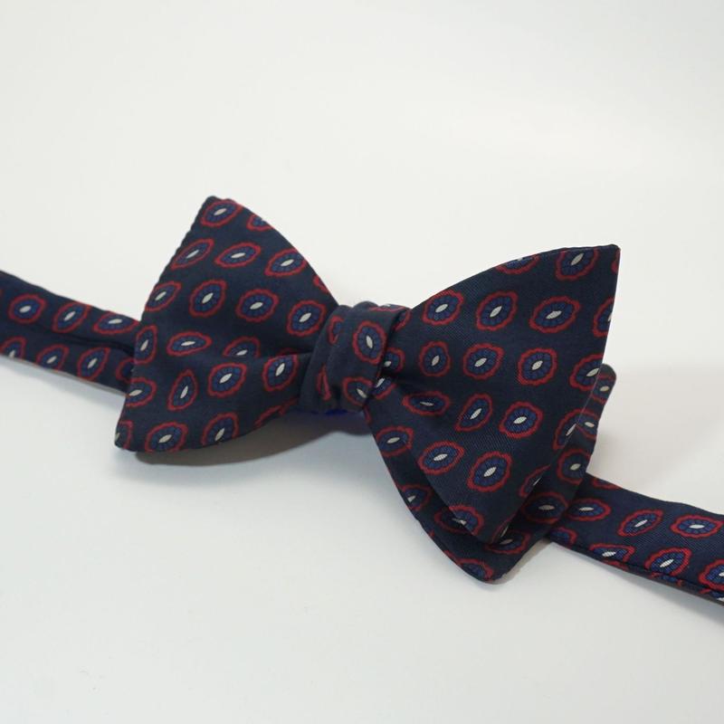 《送料無料》Vintage Paisley Navy Bow tie Silk (no.314)