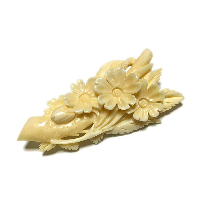 泉舟 作 鯨歯ブローチ 桜 6740