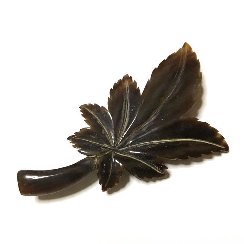 泉舟 作 水牛ブローチ 紅葉