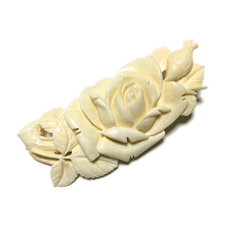 泉舟 作  鯨歯ブローチ 薔薇の木