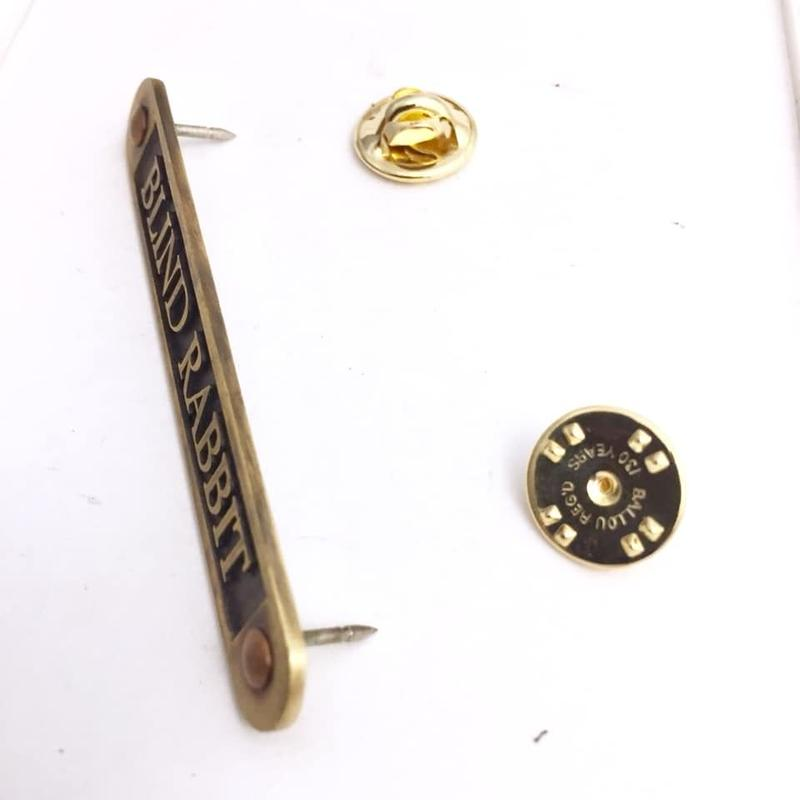 Nameplate PIN Mサイズ[BLINDRABBIT]