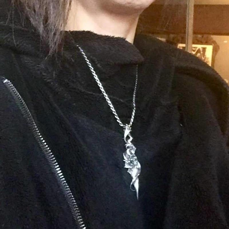 ★蛇骨堂限定★ダイヤモンド特別仕様のペンダント!ランブリングローズ