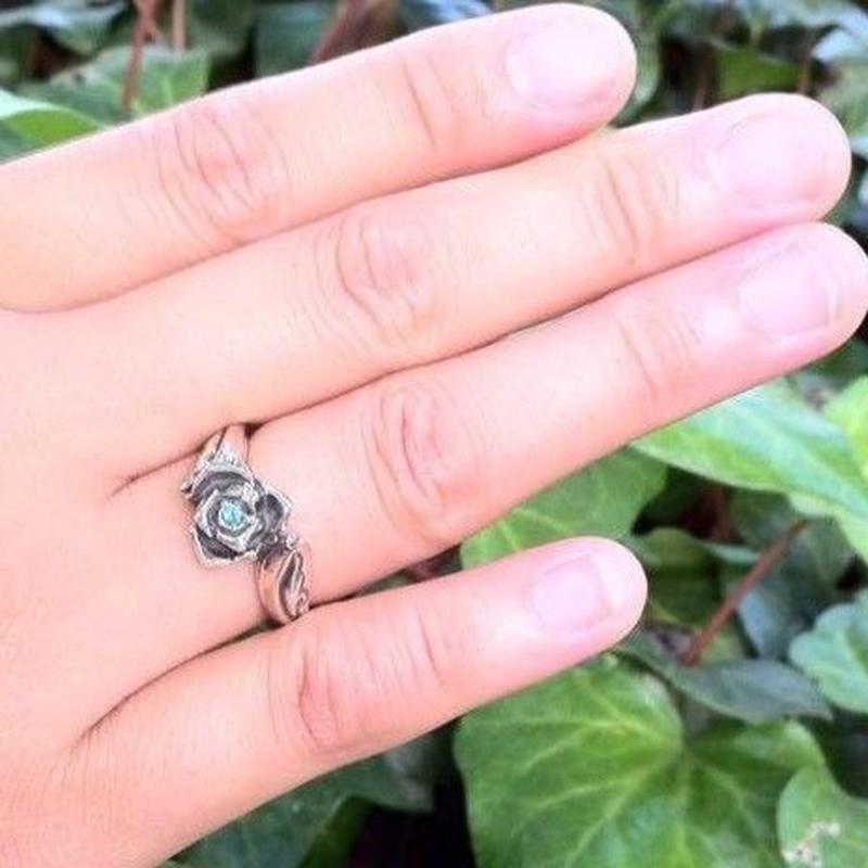 シルバーリング薔薇(石有り)
