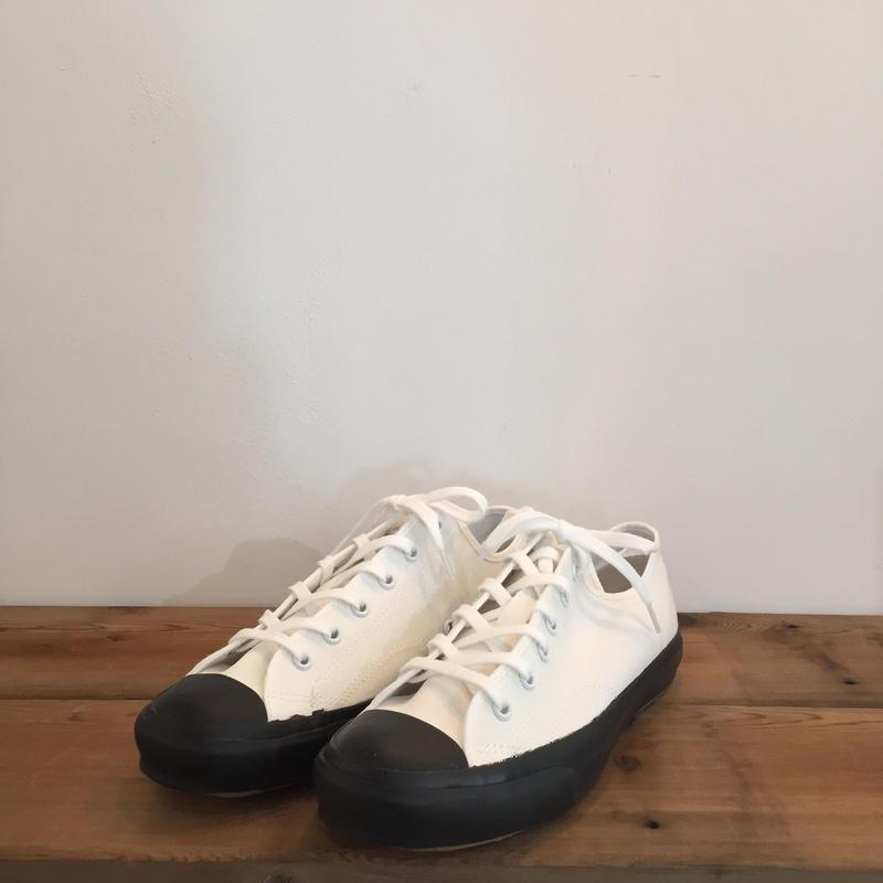 《evam eva》canvas  sneaker