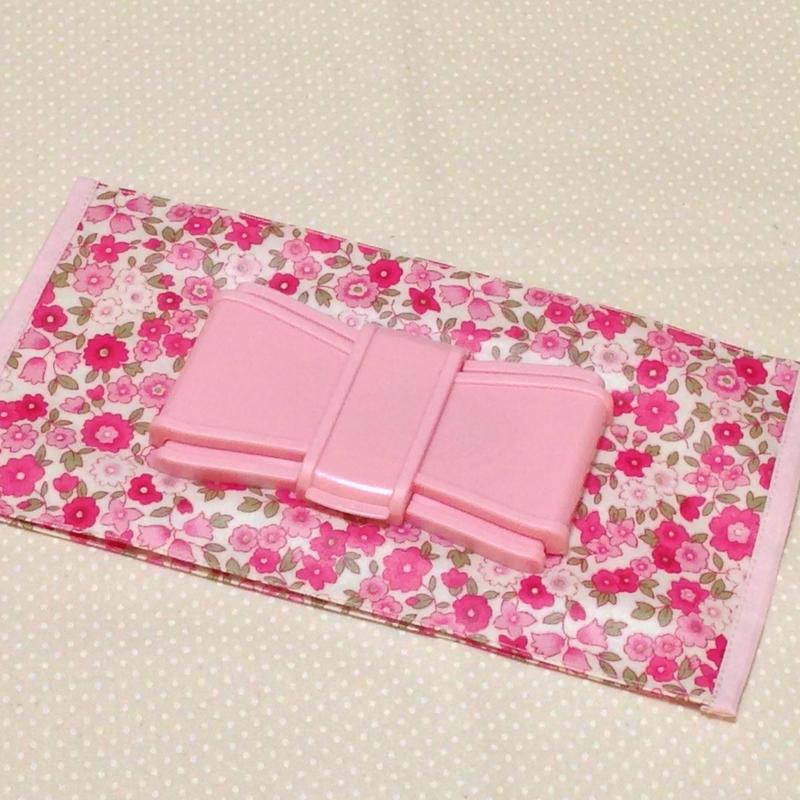 リボンビタット付おしりふきケース*ピンク小花柄