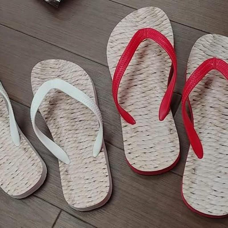 草鞋(わらじ)風ビーチサンダル