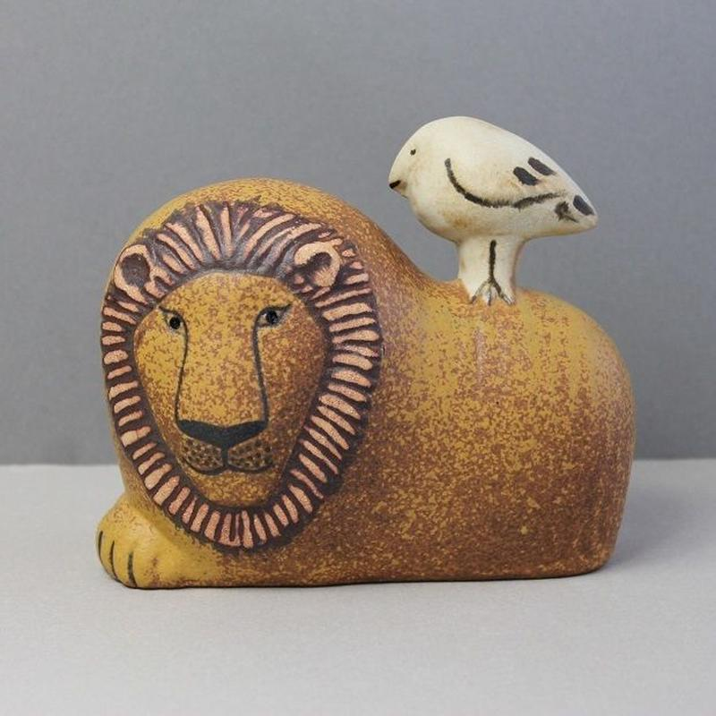Lion with Bird / ライオンと小鳥