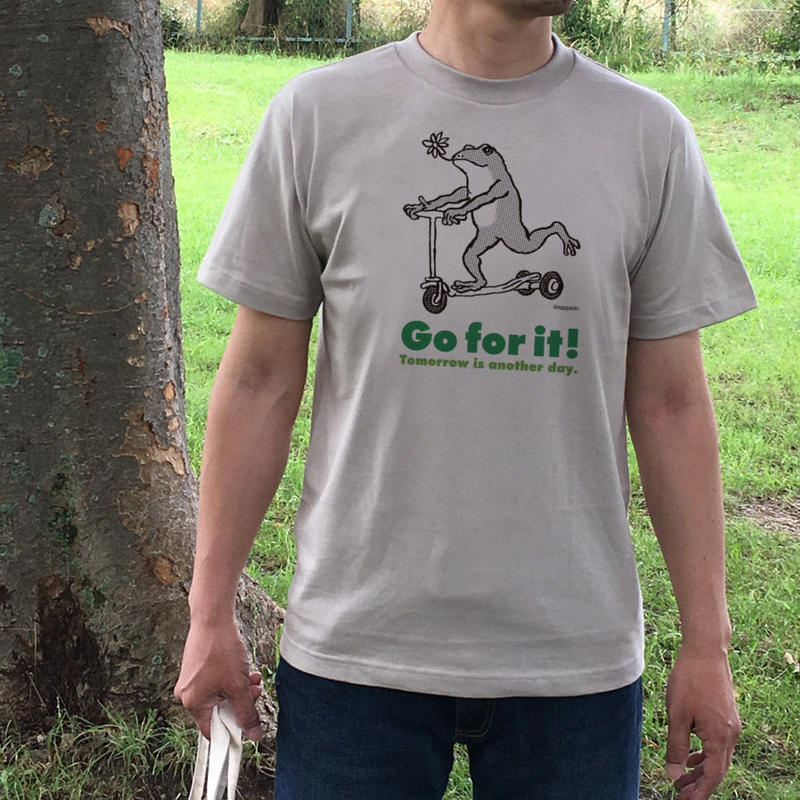 Tシャツ「カエルコースター」(ベージュグレー)男女兼用【受注生産・送料無料】