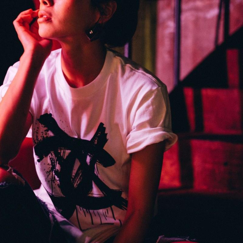 (ブラックボディ)buggyコラボアートTシャツ