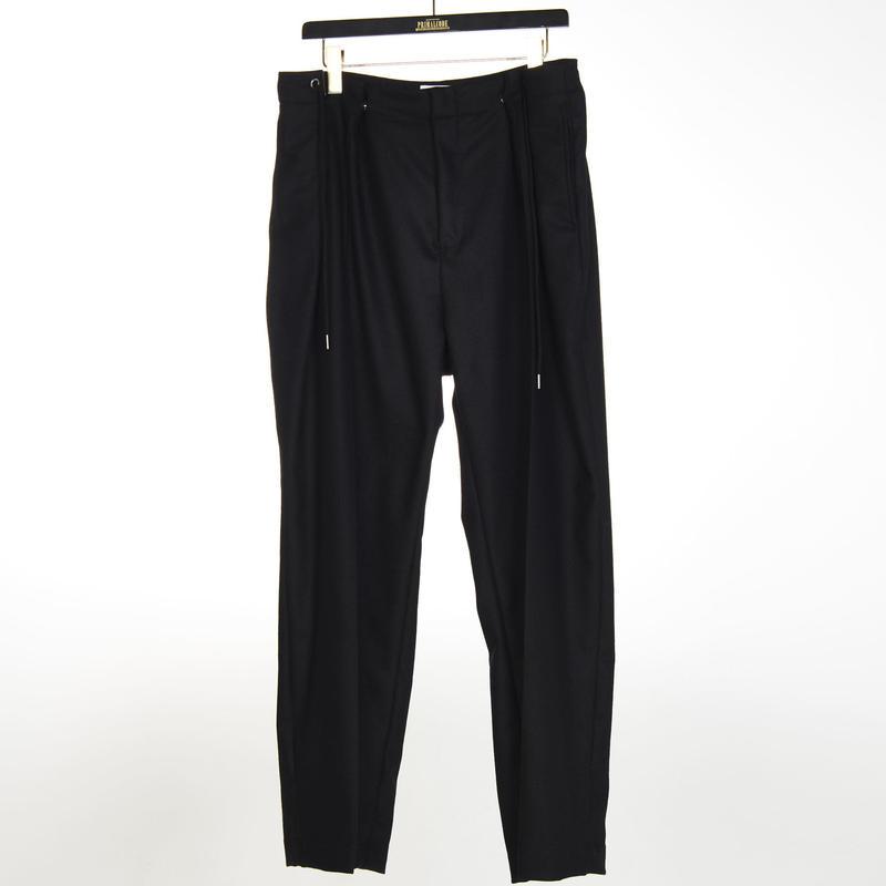 WOOL CENTER PRESS TUCK PANTS(BLACK)