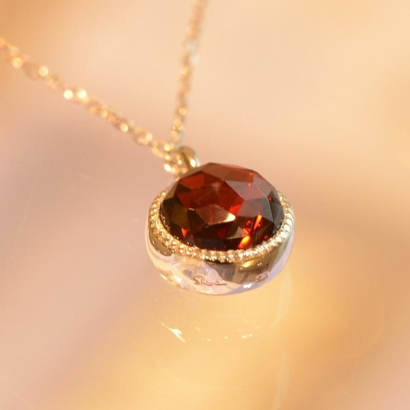 Garnet Necklace (iro-015)