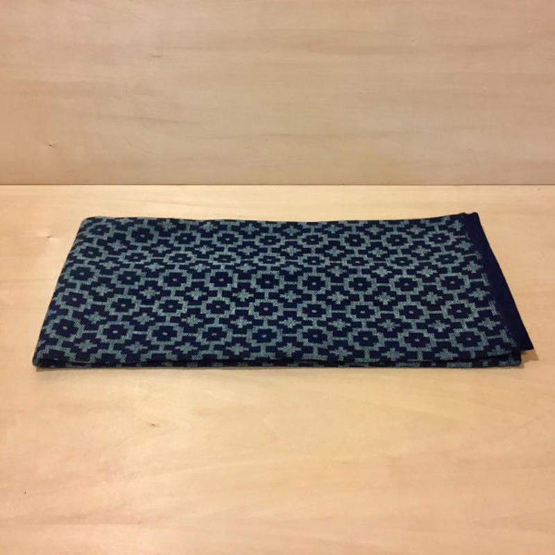 インディゴジャガード織り襟巻き