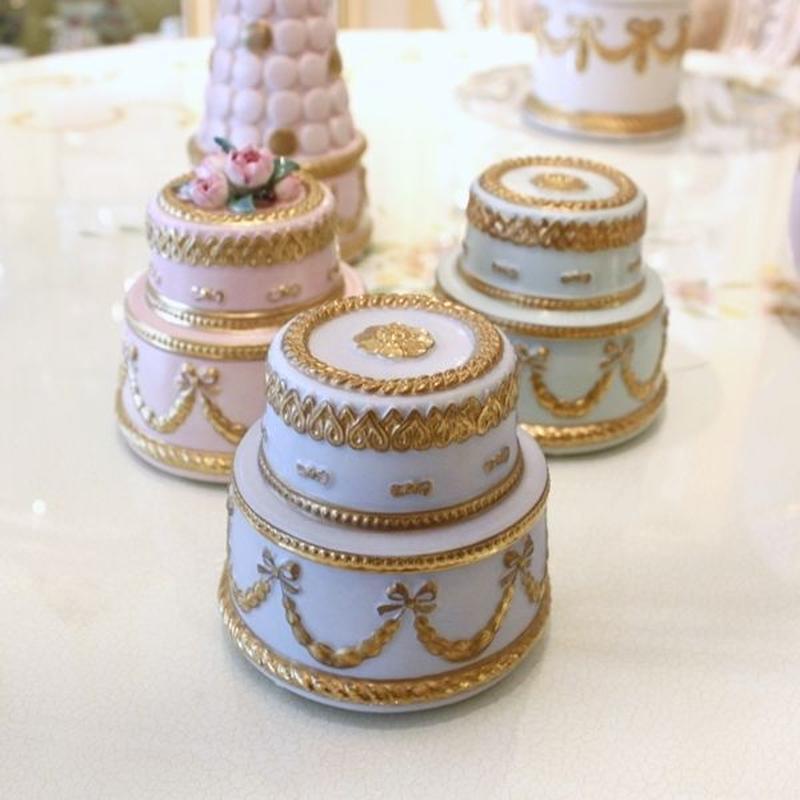 VILLARI リボンガーランド  ケーキ型ボックス