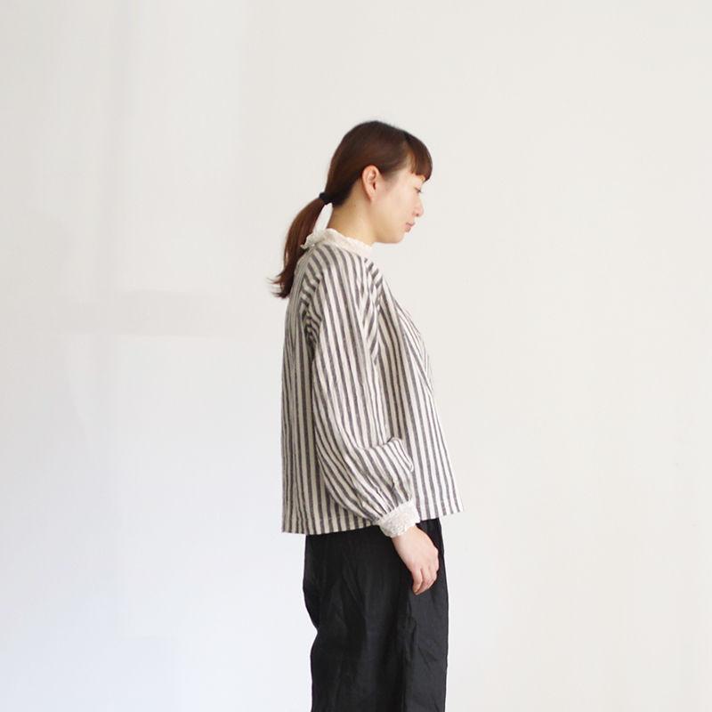 i c h i 181023 C/L Stripe Pullover Blouse / Black