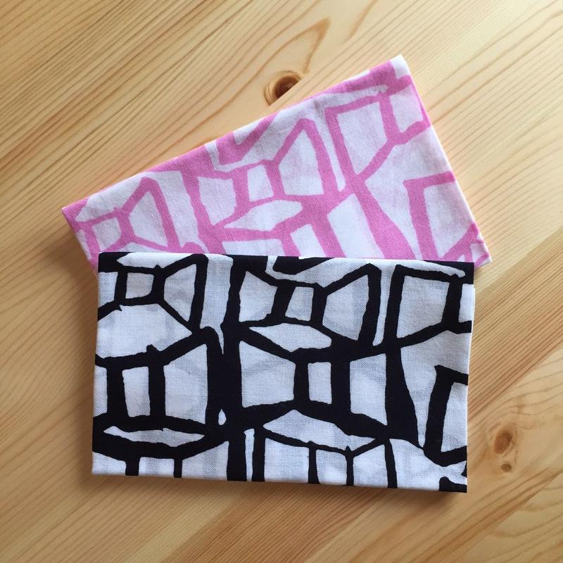 Ribbonてぬぐい  Black  /  Pink 各¥1,080