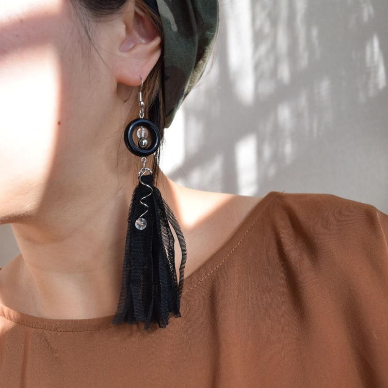 Taiwan black fringe (hook pierce)