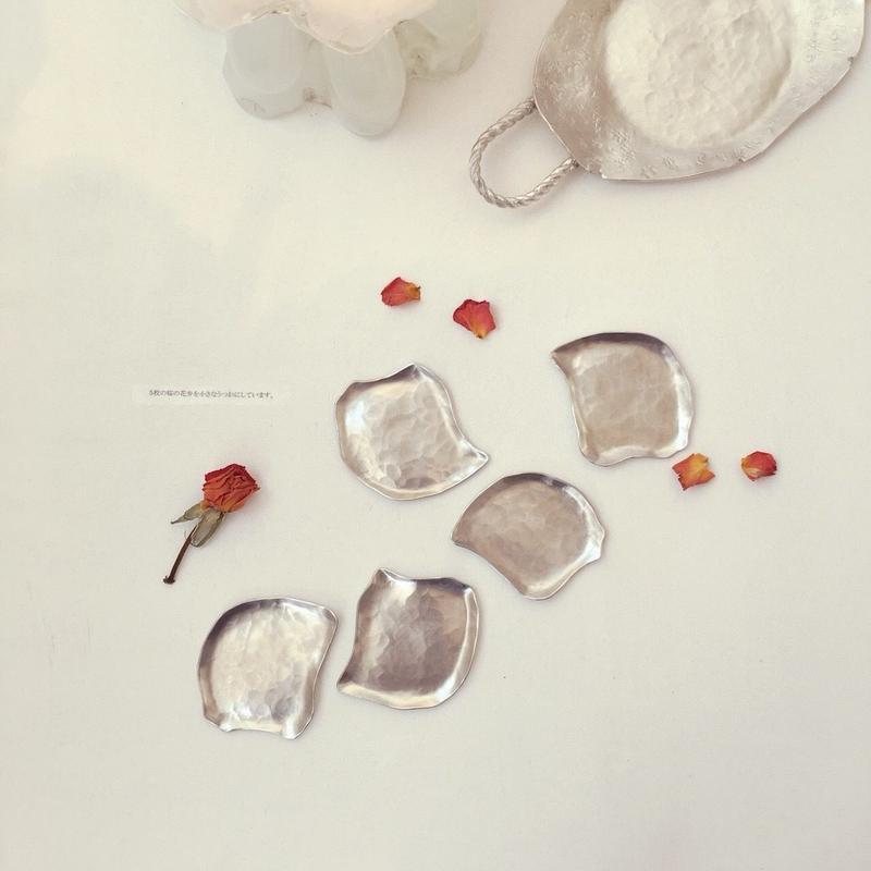 A small dish -cherry blossom-(Tin)