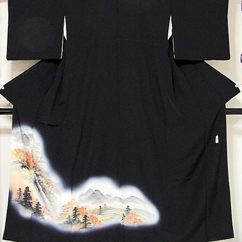 【黒留袖】正絹一越 比翼(化繊) 落款入り 山水絵図☆153cm前後の方ベストサイズ【美品】