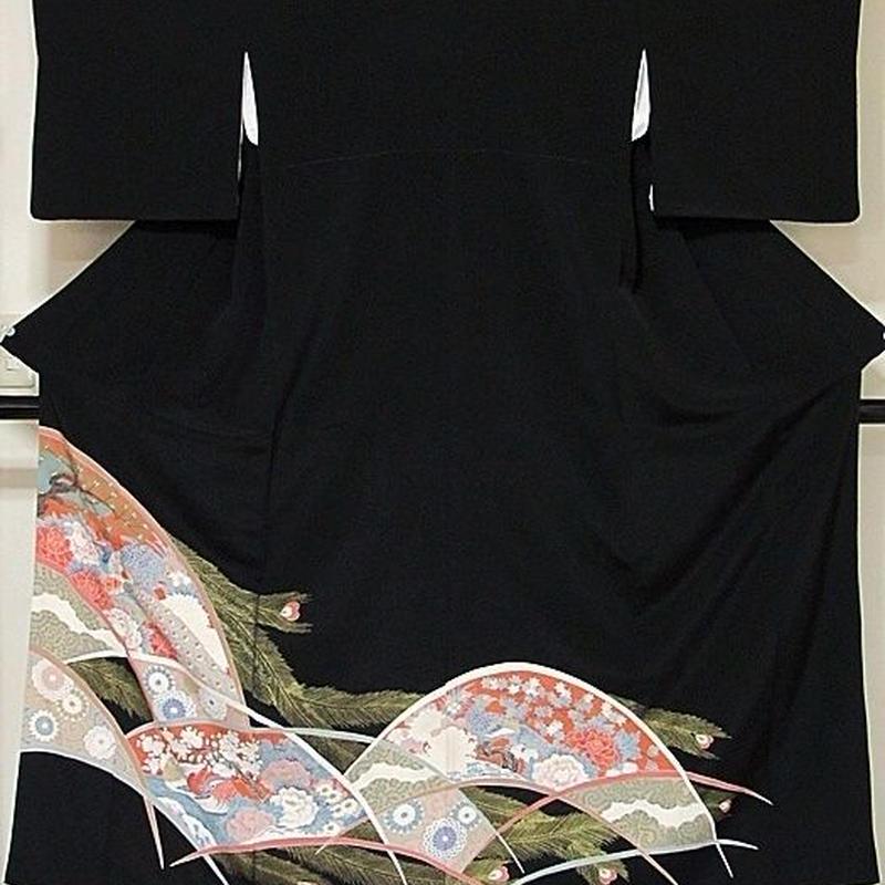 【黒留袖】正絹一越 比翼(化繊) 刺繍 牡丹に孔雀 鴛鴦(オシドリ)☆157cm前後の方ベストサイズ【美品】