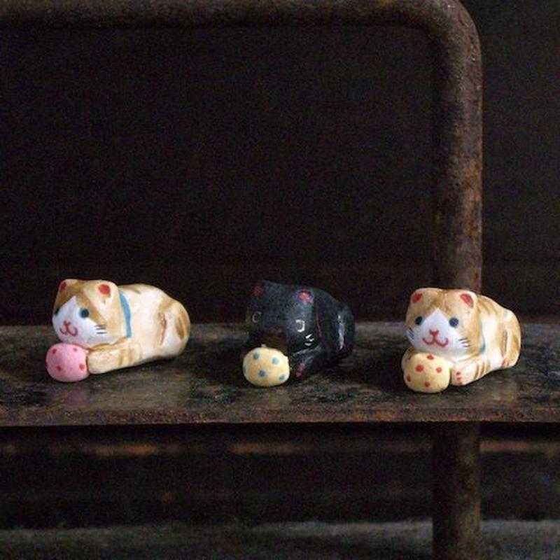 ブリキの猫のフェーブ Feve of Tin cat