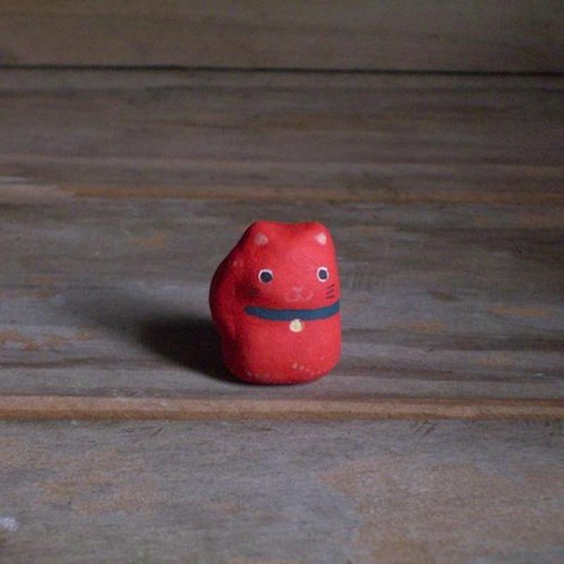 招き猫のフェーブ 赤 Feve of Beckoning cat red