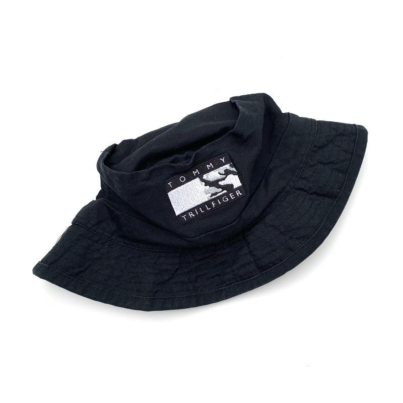 tommy trillfiger bucket hat
