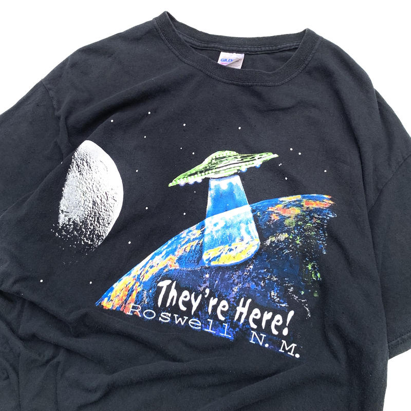 They're Here! Roswell T-shirt size L