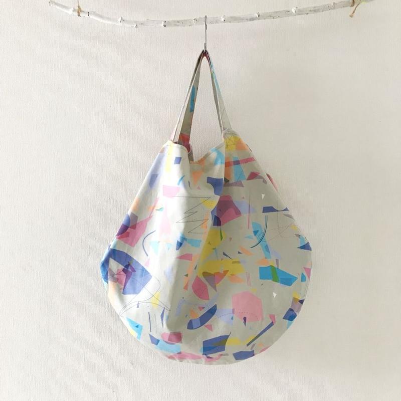 eggbag <toy paradise>  ・beige multi