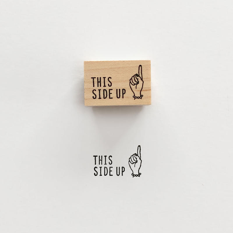 〈THIS SIDE UP〉スタンプ