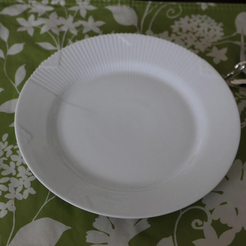 ROYAL COPEN HAGEN WHITE ELEMENTS PLATE FLAT 22cm  [デンマーク]