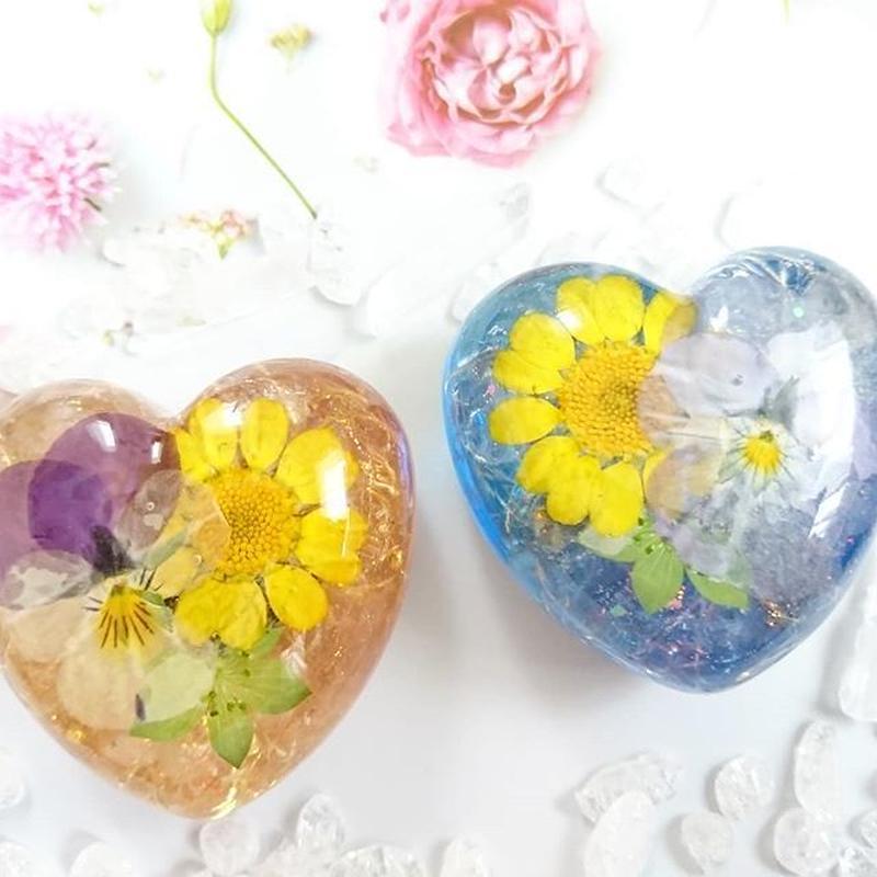 咲き誇る愛の花~心のカタチ♡オルゴナイト