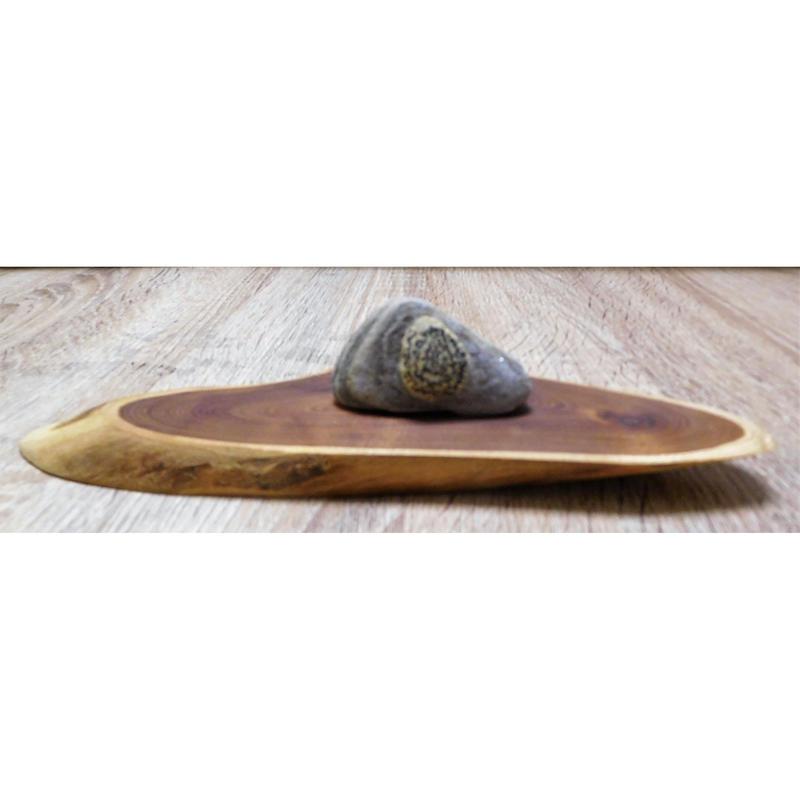 地球の石(意思)「遠山」木部:幅25㎝奥行8㎝厚さ1.5㎝ 石部:高さ4㎝横7.5㎝厚さ3.8㎝