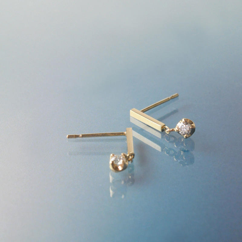 【anq.】K10・ダイヤモンド バースタッドピアス