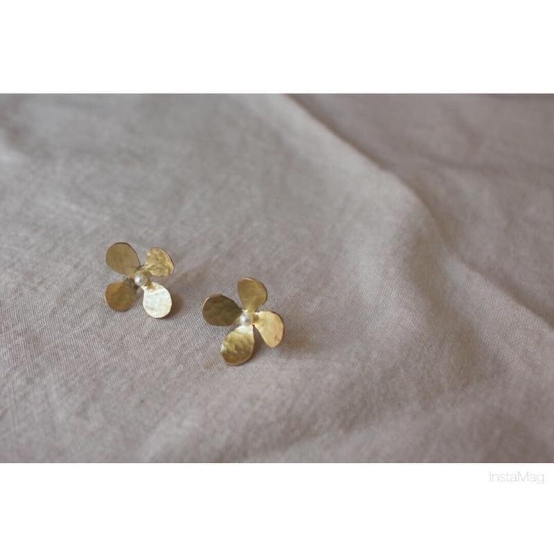 brass  flowerピアス