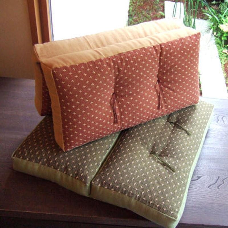 折れ座布(絣刺子)