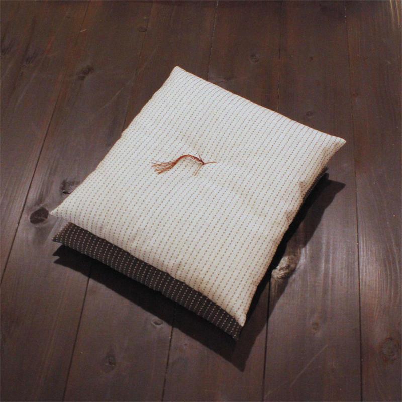 うす小座布団(たて刺子)