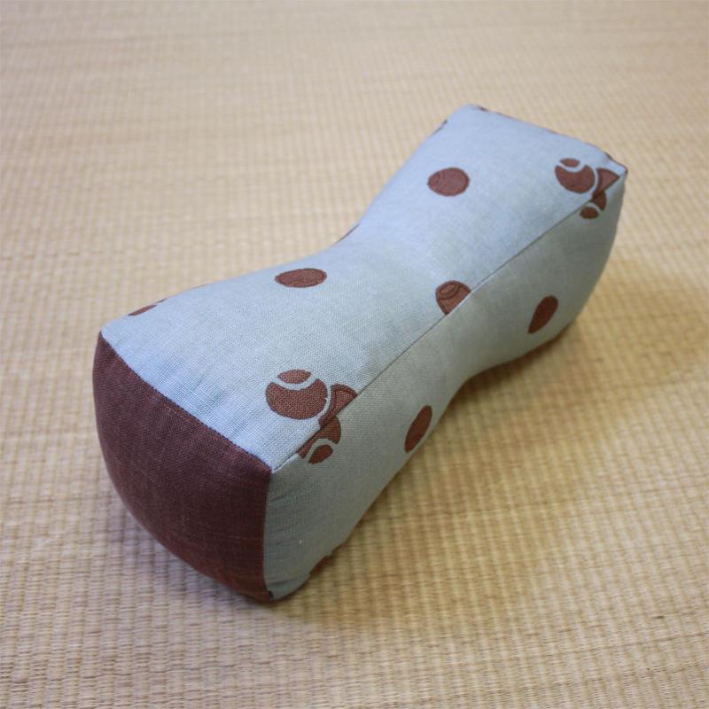 つつみ枕(小手鞠)