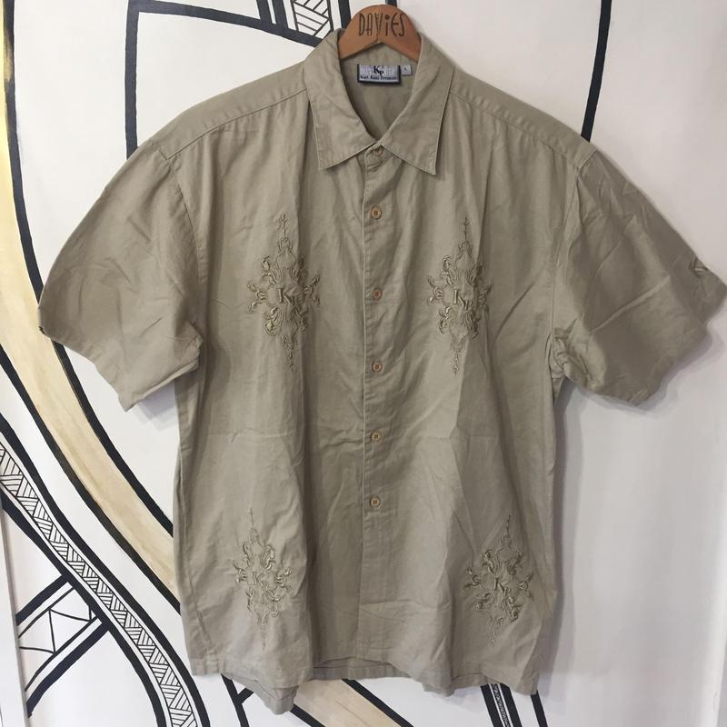 【ストリート】KARL KANI ベージュ 刺繍 ビッグシャツ