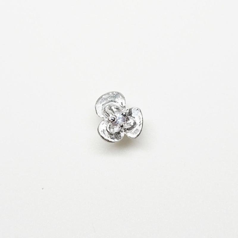 Silver(RH) Single earring (Fiore - White sapphire)