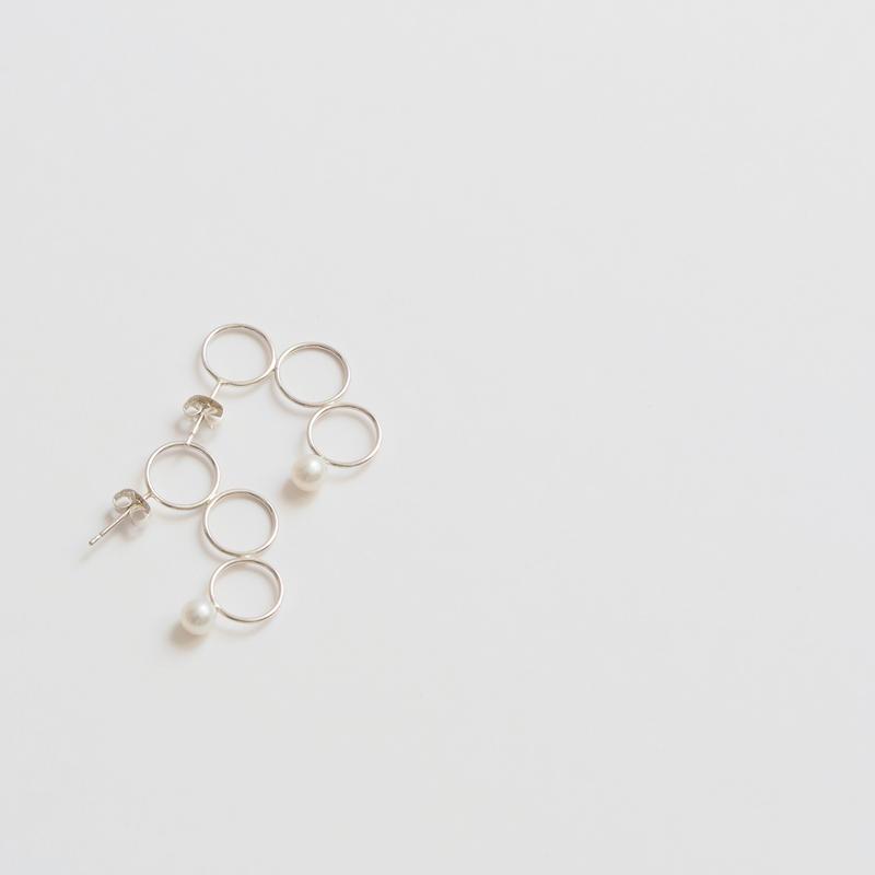 pierced earring 幻想の先