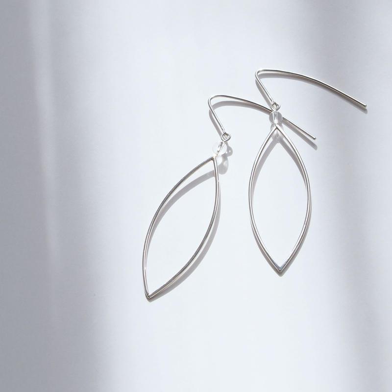 piereced earrings 午後からは雨のにおい