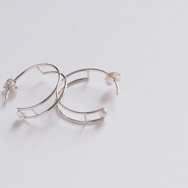 pierced earring たからもの