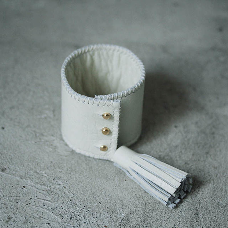 chiihao x nii-B tassel bangle ivory