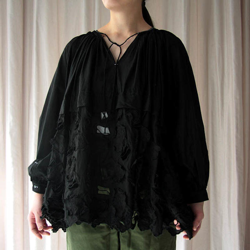 TOWAVASE Camille blouse (black)