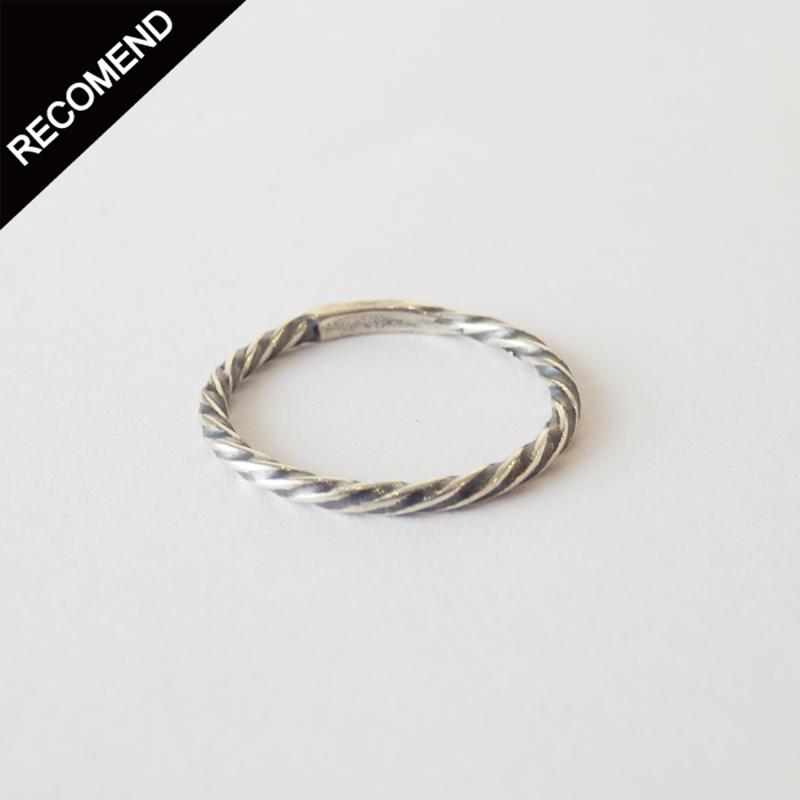 THEFT - narrow twist ring